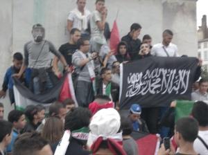 Manifestation pro-Palestine partout en France avec le drapeau noir du Jihad comme étendard. En toute impunité…