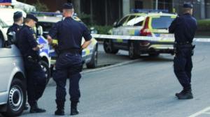 poliser-hoppar-av