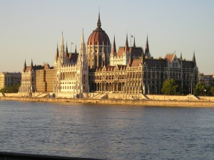 budapest-529433_960_720