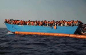648x415_migrants-venus-libye-tentent-traverser-mediterrannee-photo-extraite-video-tournee-8-octobre-2016
