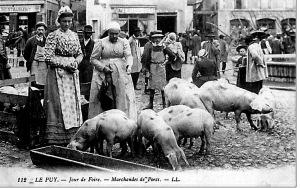 le_puy_les_cochons_un_jour_de_foire