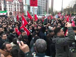 demonstration-friedensplatz