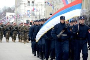 membres-forces-police-republique-srpska-defilentd-defile-marquant-25e-anniversaire-republique-srpska-ville-bosniaque-banja-luka-bosnie-lundi-9-janvier-2017_0_730_486
