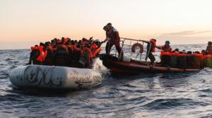 entre-la-libye-et-l-italie-2-600-migrants-secourus-en-mer-en-3-jours